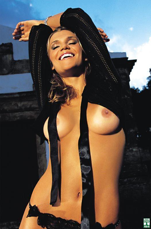 revista-playboy-Daniela Cecconello-Outubro-2004-editora-abril (10)