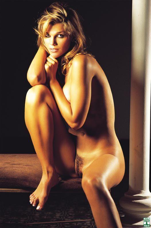 revista-playboy-Daniela Cecconello-Outubro-2004-editora-abril (6)