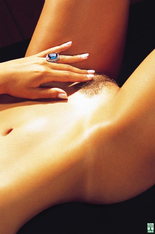 revista-playboy-Daniela Cecconello-Outubro-2004-editora-abril (8)