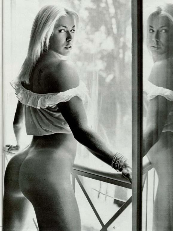 revista-playboy-Joana Prado-Abril-2002-editora-abril (4)