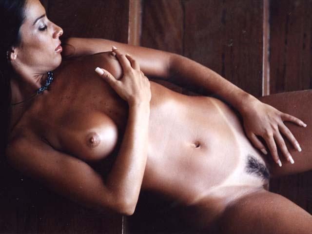 revista-playboy-Luize Altenhofen e Scheila Carvalho-dezembro-2001-editora-abril (9)