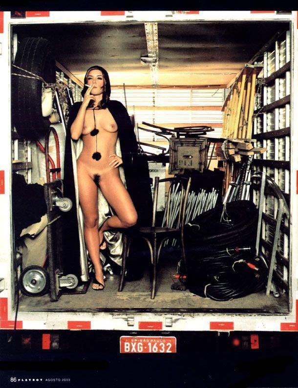 revista-playboy-Maryeva Oliveira -Agosto-2003-editora-abril (12)