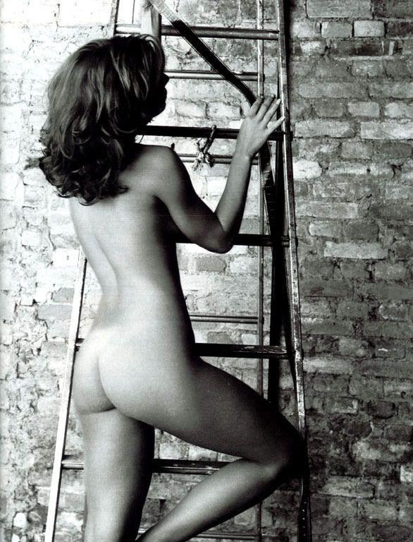 revista-playboy-Maryeva Oliveira -Agosto-2003-editora-abril (8)
