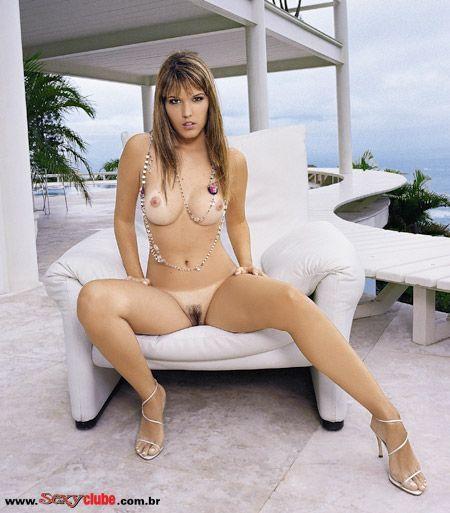 Rafaella Cardona pelada