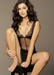 Fernanda Paes Leme pelada na playboy – Dezembro de 2005