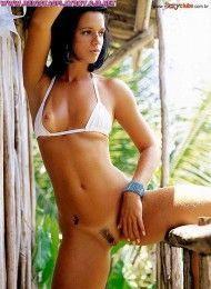 Milene Mascarenhas pelada na sexy – Fevereiro de 2002