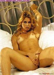 Xaiane pelada na sexy – Abril de 2002
